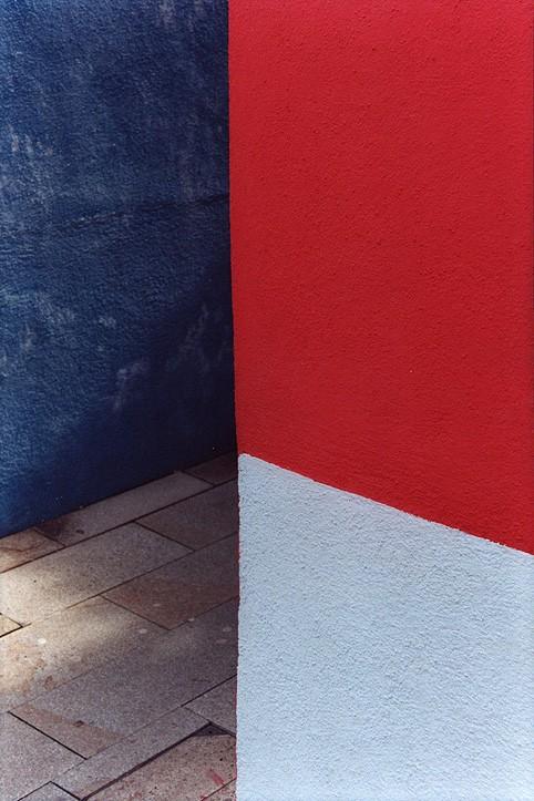 http://www.nikstrangelove.com/files/gimgs/th-23_tricolourvenetianwalls.jpg